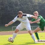 Torschütze zum 0:2 Tim Gollenia (links).